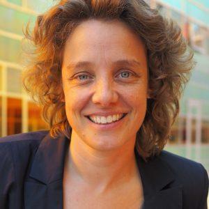 Elja Daae author of Super Social
