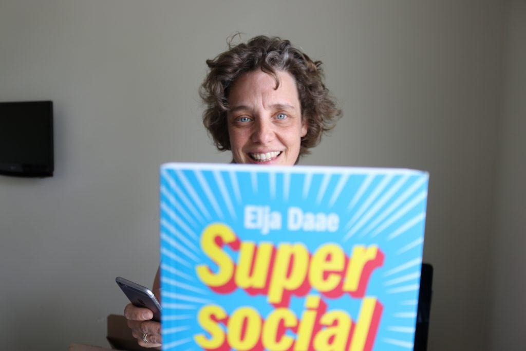 Super Social Elja book